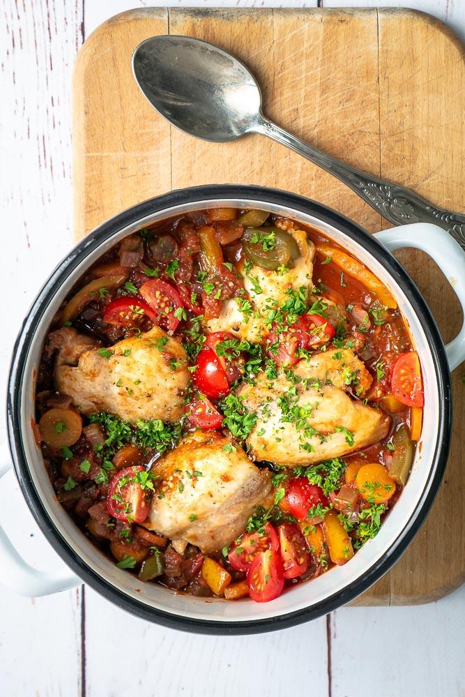 Kip Cacciatore, Italiaanse kip stoofpot, stoofvlees kip, Italiaans stoofvlees, stoofpotje, stoofpotje kip paprika tomaat