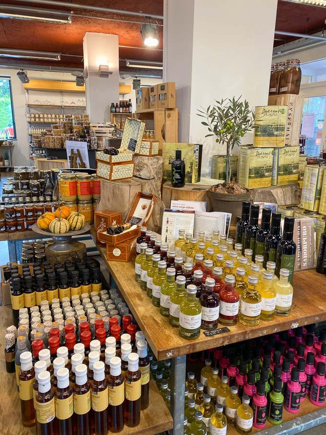 Tips voor Zuid-Limburg, wat te doen in Zuid-Limburg, bezoek de Eyserhalte, een delicatessenzaak voor fijnproevers. Tips voor uitstapjes met kinderen, wandelroutes Zuid-Limburg,