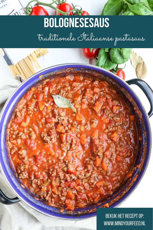 Recept voor de allerlekkerste Bolognesesaus. Heerlijk bij de tagliatelle of in Lasagne Bolognese. Klassiek Italiaans recept om zelf heerlijke pastasaus te maken.