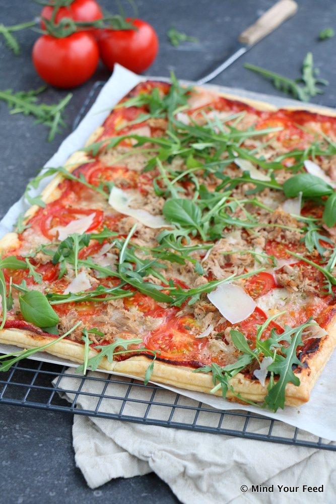 plaatpizza met tomaat