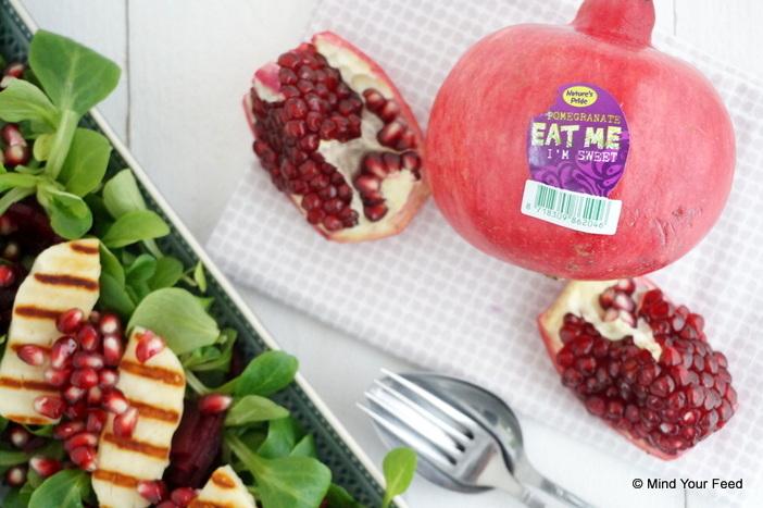 Salade met halloumi en granaatappel