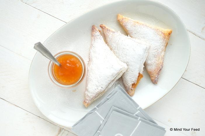 appelflappen met abrikozenjam